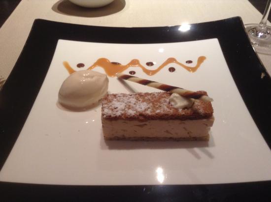 Logis Le Logis de Brionne : My dessert - yummy!