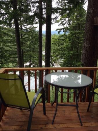 The Roaring River Bed & Breakfast: Views from deck late May