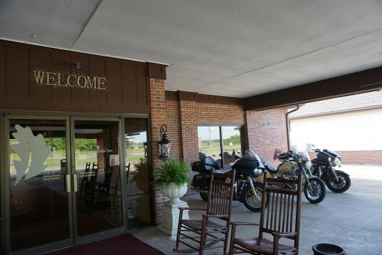 Grayville, IL: Motorcycle parking by the front door!