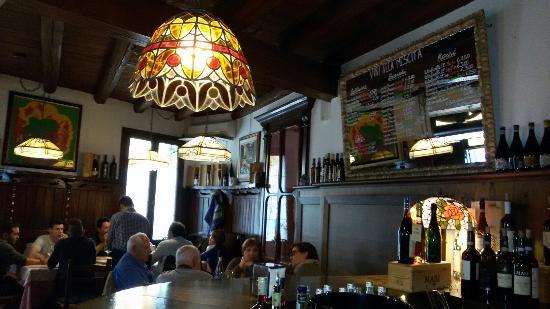 Osteria La Scala: Interno locale e dettagli