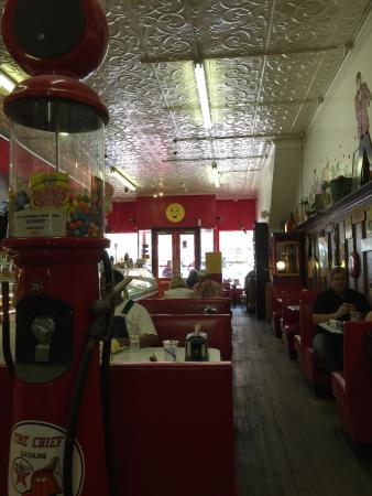 Clear River Pecan Bakery, Sandwiches and Ice Cream: photo0.jpg