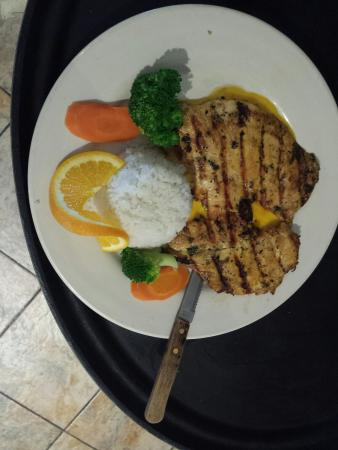 Mariachi Restaurant: Pechuga a la Parilla
