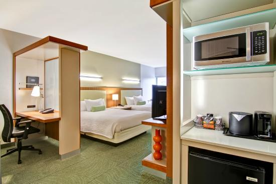 SpringHill Suites Tallahassee Central: Double Queen Suite
