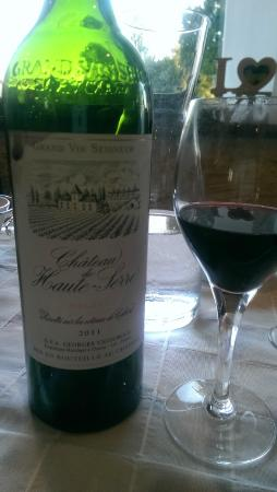 Le Troubadour: Great wine of the region