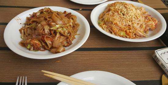 Paradox Thai Food & Bar: Pad Thai and Pad See Ew
