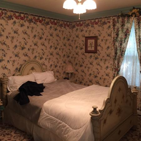 His Majesty's Bed & Breakfast: Queen's Room 3