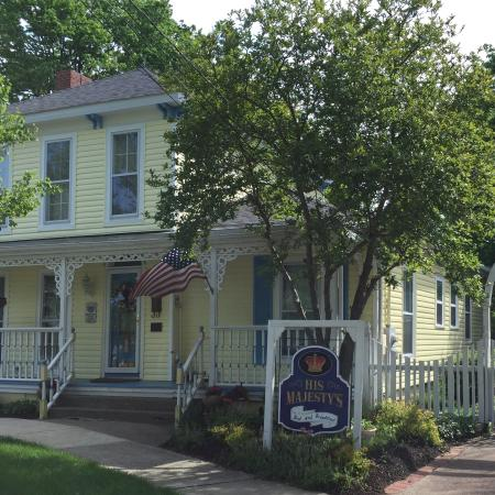His Majesty's Bed & Breakfast : His Majesty's B&B