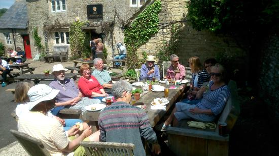 The Crown Inn: Enjoying an al fresco lunch