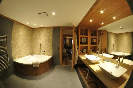 salle de bain photo de chalet royalp hotel spa villars sur ollon tripadvisor. Black Bedroom Furniture Sets. Home Design Ideas