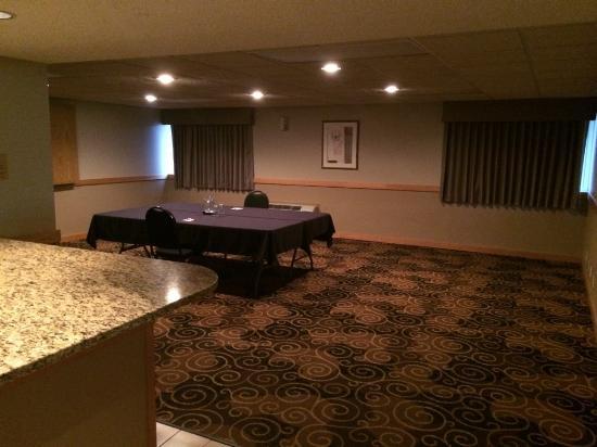 Ramada Bismarck: Hospitality Room