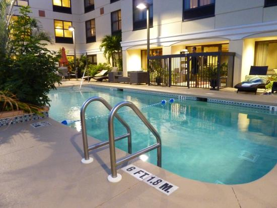 Holiday Inn Express Clearwater North/Dunedin: Nice pool
