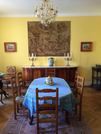 Chambre et Table d'Hote Le Blason: Charming Dining Room