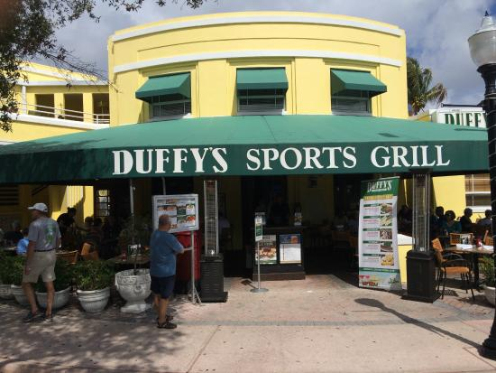 Duffy's Sports Grill: Exterior shot