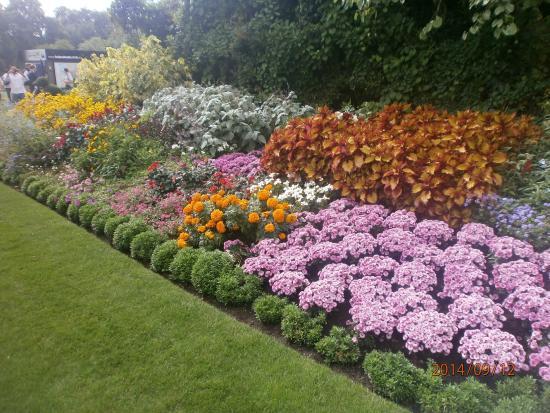 Y mas jardines floridos picture of st james 39 s park for Jardines bellos fotos