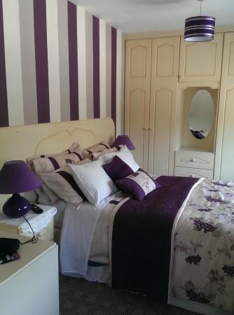 Kingdom House: Lovely front bedroom