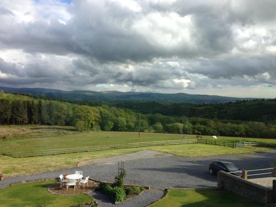 Tyllwyd Hir Bed and Breakfast: View from Lounge Room (communal area)