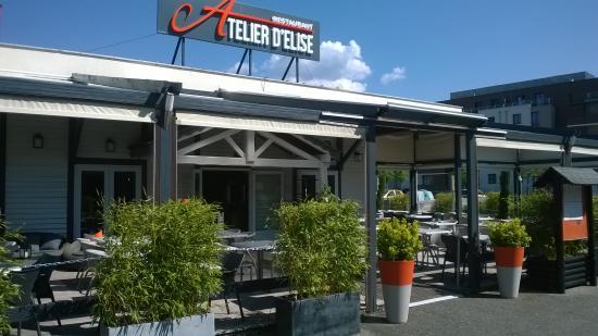 Burger picture of atelier d 39 elise aix les bains for S bains restaurant