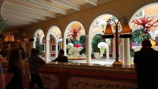 Bellagio Las Vegas: Front Desk