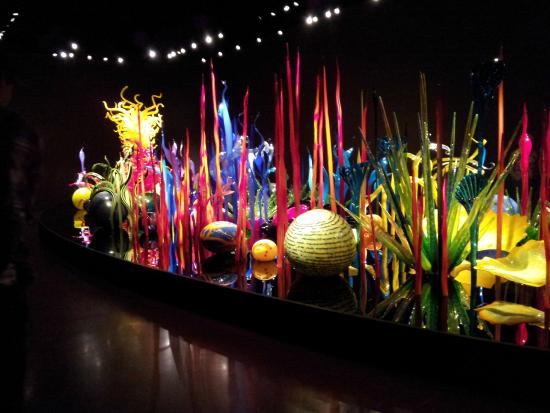 exhibition review dale chihuly the Unfavorable 'chihuly' review sparks emotions my recent review of the exhibition chihuly at the de young most complained that i denied dale chihuly's glass.