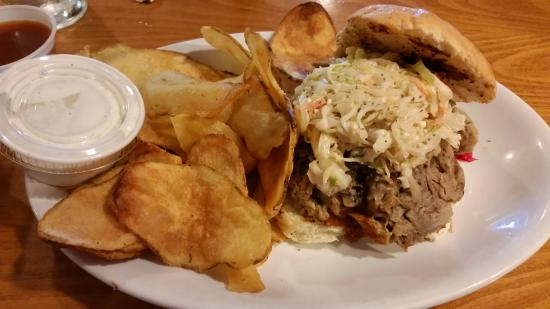 Sweet n Savory Cafe: Homemade chips, pulled pork, and blue cheese slaw ... oh my.