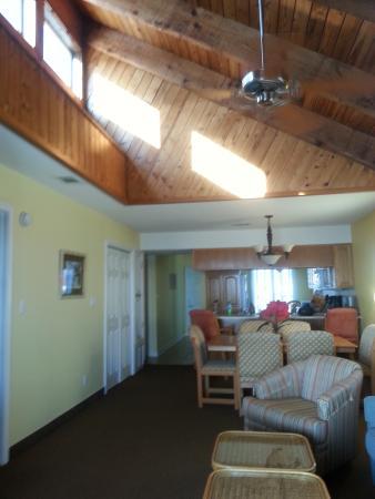 Soundside Holiday Beach Resort Photo