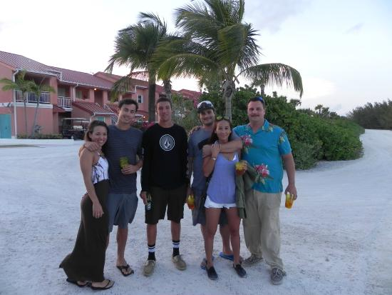 Bimini: Free shuttle picks up guests to take to Beach Club