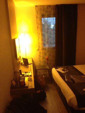 Hotel Du Parc: Diner,dessert, douche et chambre