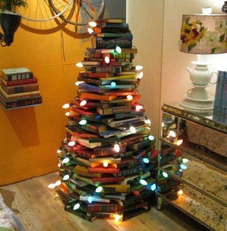 Il Mio Regalo Di Natale.Un Albero Di Natale Fatto Da Libri Il Mio Regalo Per