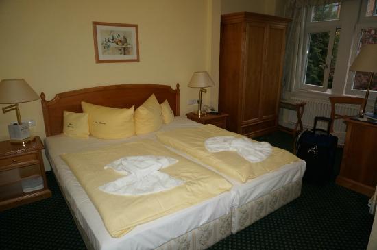 Hotel Haus Hainstein Eisenach : Comfy beds in the room