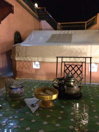 Riad Layla : mint tea at night