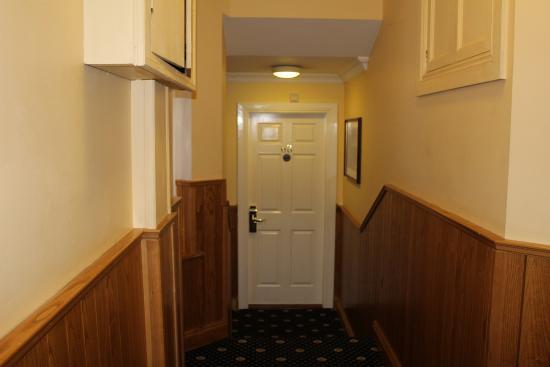 Lansdowne Hotel Ballsbridge: Second floor, left side