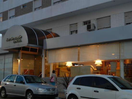 San Fernando: Fachada del Hotel