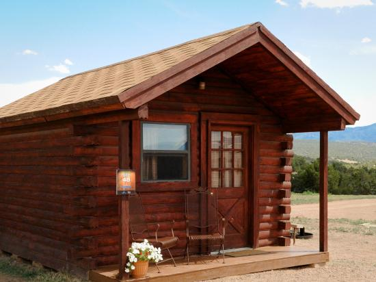 Echo Canyon Campground & RV Park : Our Rustic Cabin is an economical and fun way to spend a few nights!