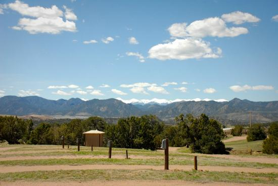 Echo Canyon Campground & RV Park: The view is always gorgeous!