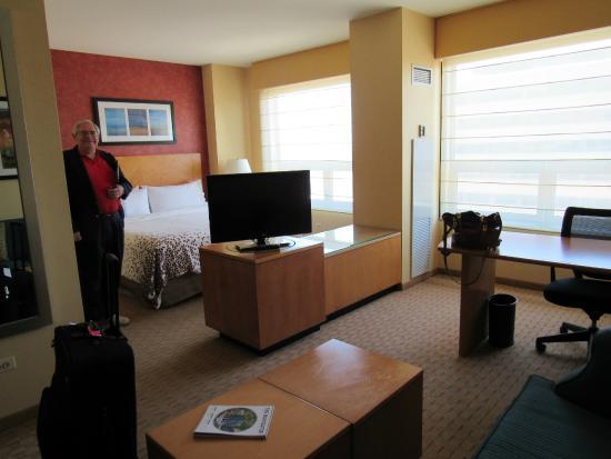 Renaissance Chicago O Hare Suites Hotel Suite