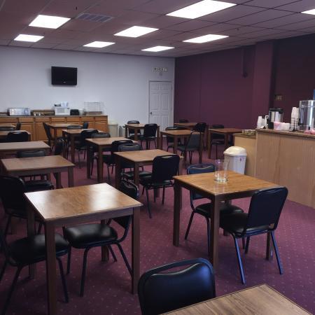 Willow Tree Inn: Breakfast Room