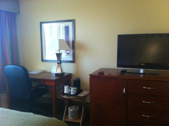 Holiday Inn Tampa Westshore: Decent work place