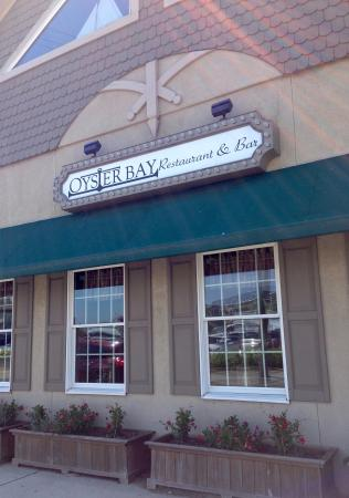 Oyster Bay Restaurant & Bar: Front Entrance
