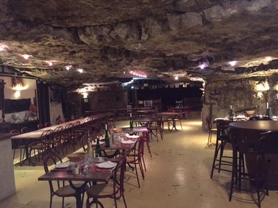 La Cave Aux Fouees: the cave