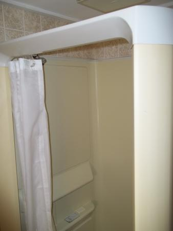 School House Motel: The shower
