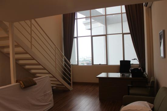 Duplex apartment - Picture of CEO Executive Office Suite, George ...
