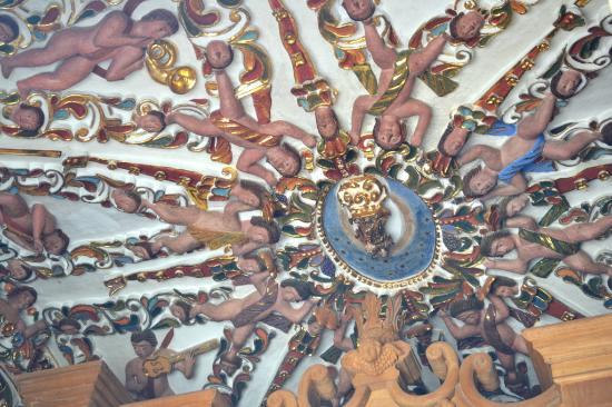 Foto de iglesia de tonantzintla puebla los azulejos de for Azulejos sobre azulejos