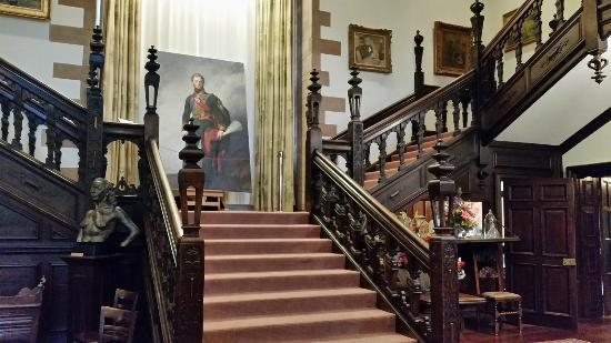Carrick Hill: The amazing oak staircase