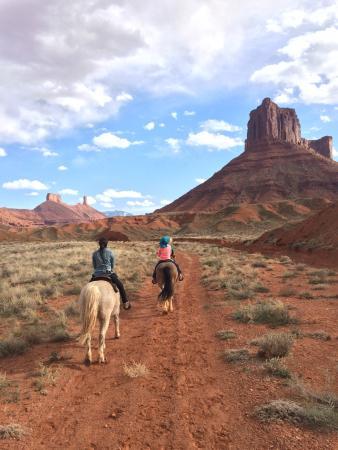 Sorrel River Ranch Resort and Spa: Ride through Ida's Gulch with ranch horses