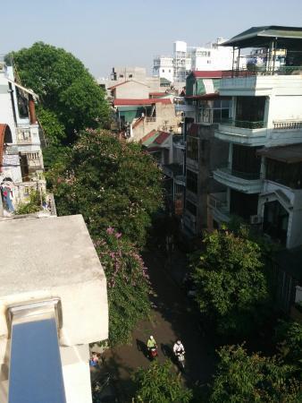 Hanoi A1 Hotel: ホテルのバルコニーからの景色です。