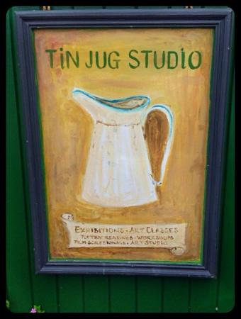 Brendan House & Tin Jug Studio: Easy to miss that it's also a B&B so look for studio sign.