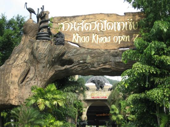 how to get to khao kheow open zoo from bangkok