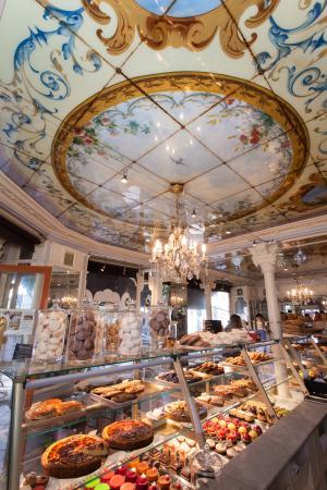 Le Petit Versailles intérieur - Picture of Au Petit Versailles Du ...