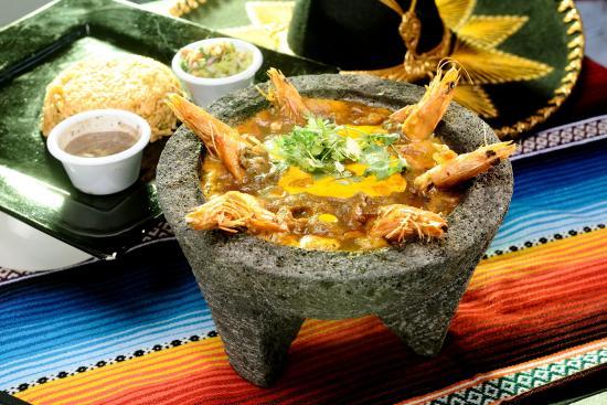 Tripadvisor - Dynamite Chicken - صورة Bungalow Restaurant، لاجوس