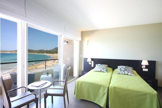 Hotel Serenada : Chambre Deluxe front de mer avec terrasse
